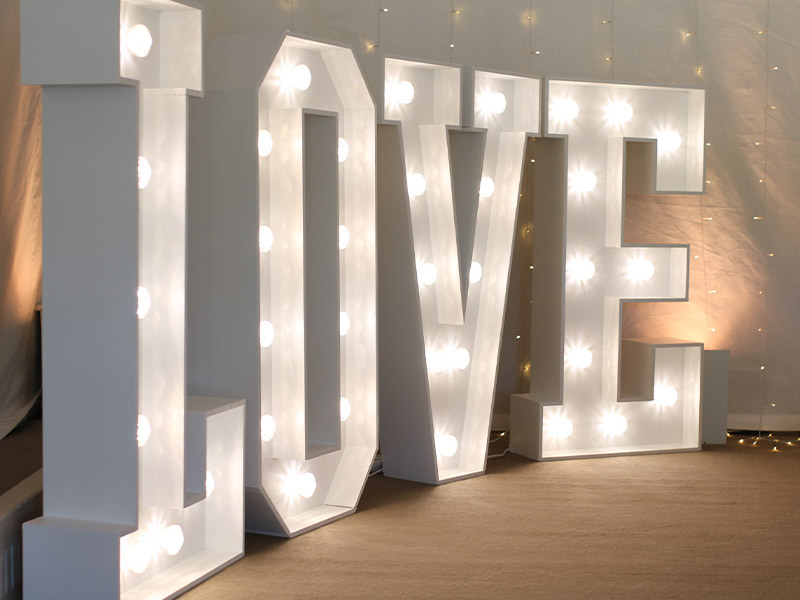 Giant-LOVE-letters---LED