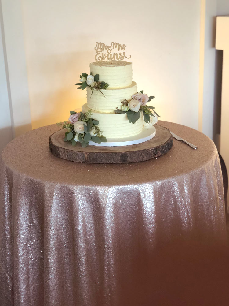 champagne-gold-cake-cloth