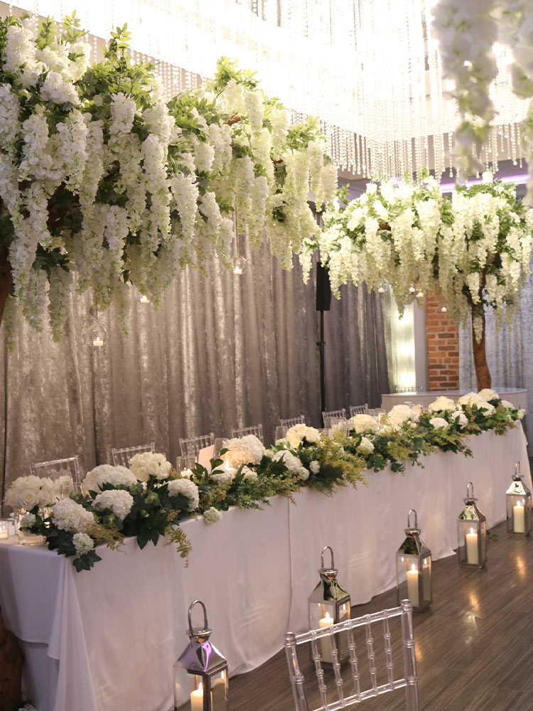 greenery-garland-table-floral-arrangement---wisteria-canopy