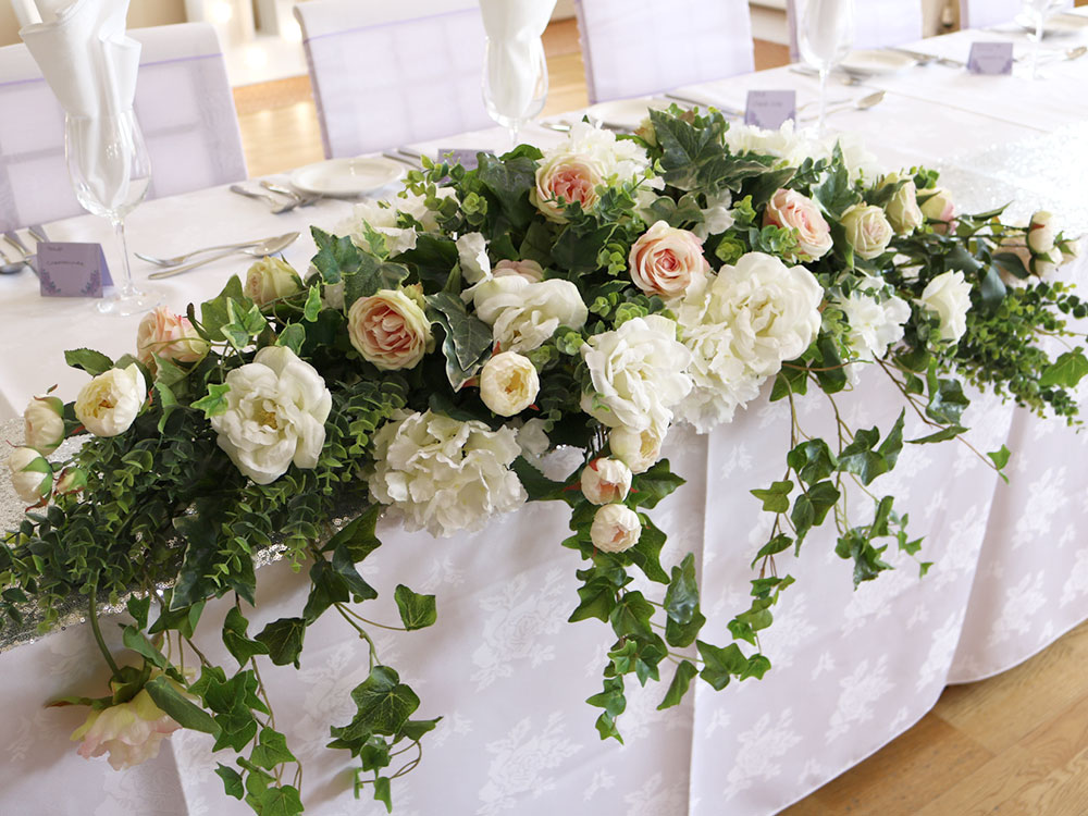 greenery-ivory-roses-1