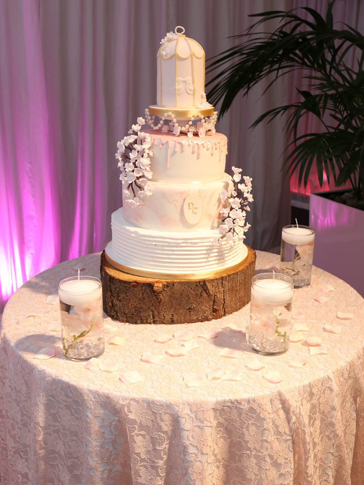 lace-overlay-cake-table