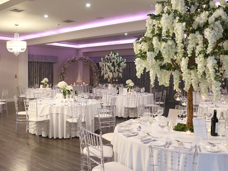 wisteria-trees-with-floral-archway---venue
