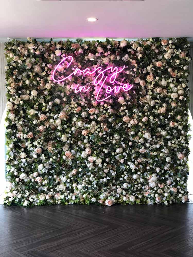 secret-garden-flower-wall